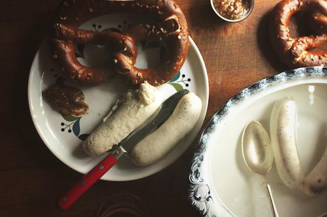 weißwurst frühstück münchen German sausage pretzel