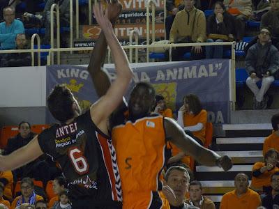 Salto inicial Antelo y Sené.