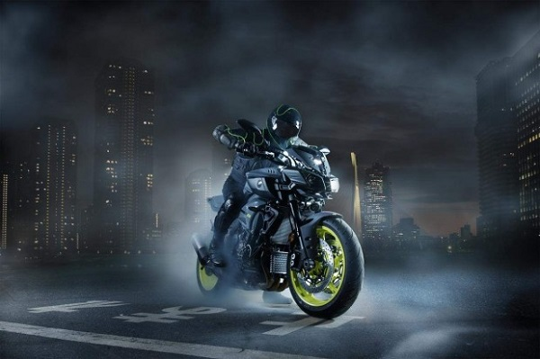 Yamaha MT-10 Super-naked Bike 2016