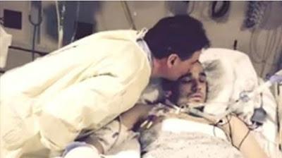 تجمّد إبنه لغاية الموت بسبب الثلج..شاهد ما حصل عندما وصل اباه ليودعه .!!