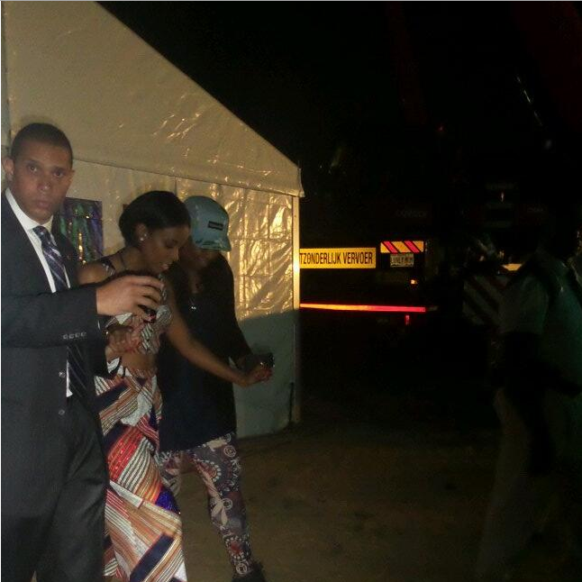 Kelly Rowland Walks Off Stage at Darey's Love Like A Movie Concert