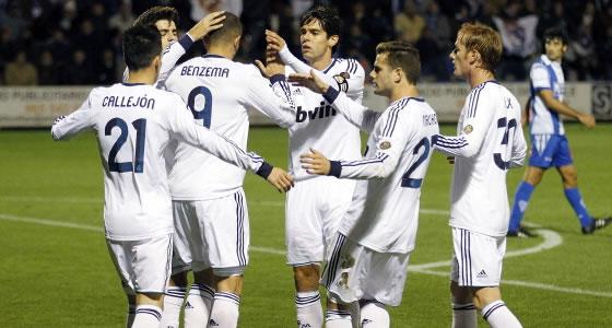 http://1.bp.blogspot.com/-qVBR2dLzt4g/UMI4k7eU-2I/AAAAAAAAFqQ/9wp_K5S6gJM/s1600/Prediksi+Real+Valladolid+vs+Real+Madrid.jpg