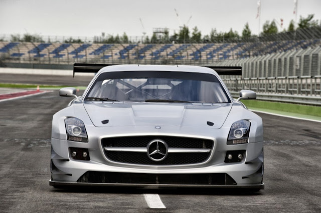 2014 Mercedes-Benz SLS Car Wallpaper