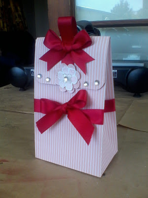 A gift box made from A4 size card, a great project for the Stampin' Trimmer.