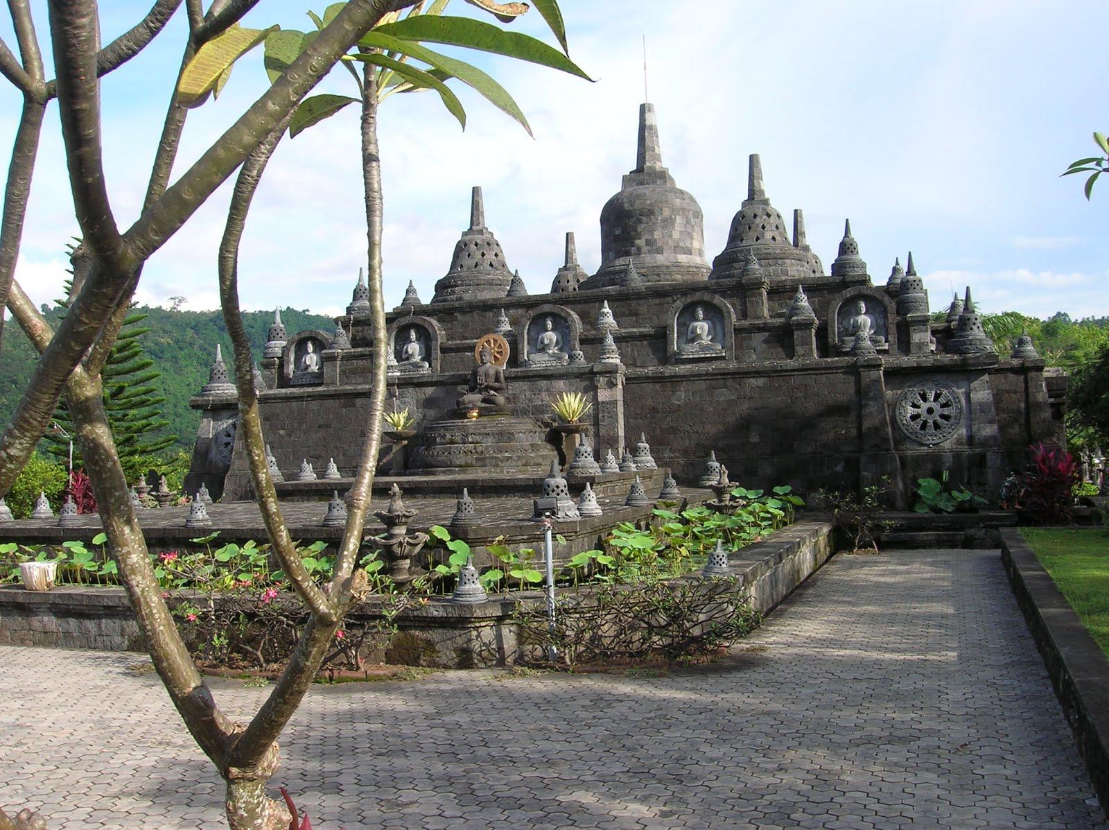 templo budista de Brahma Vihara Arama, Bali, vuelta al mundo, round the world, La vuelta al mundo de Asun y Ricardo