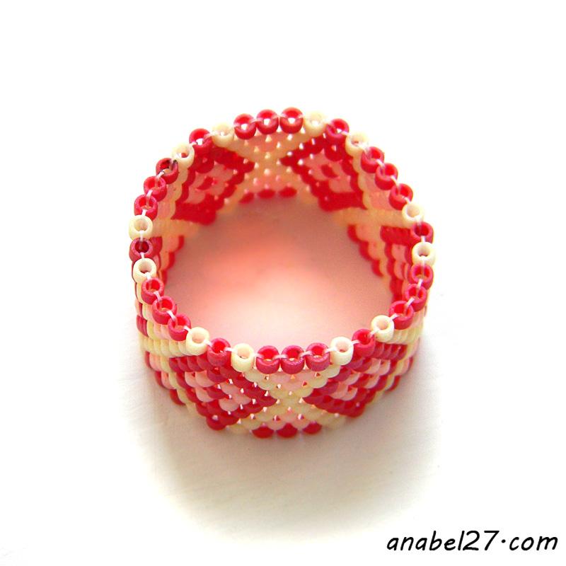 Кольцо из бисера
