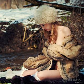 fotografia aktu, foto akt, polskie dziewczyny, istudio, igrok, zima, wiosna,futro