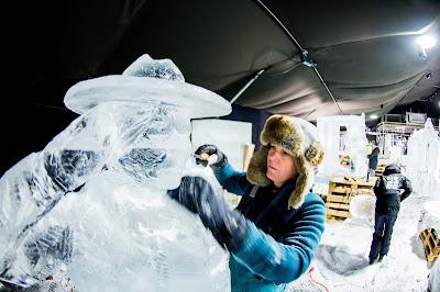 Ice, Winter, Weather, Sculpture, Statue, Netherlands, 200 years Kingdom of the Netherlands, Zwolle, Festival, Fair, Exhibition, Indoor, Offbeat, Creation, Artist, Women, Men,