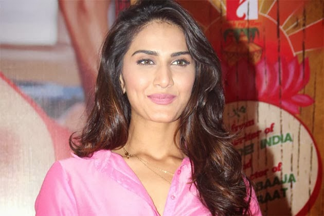 Bollywood Actress Vaani Kapoor hd Wallpapers