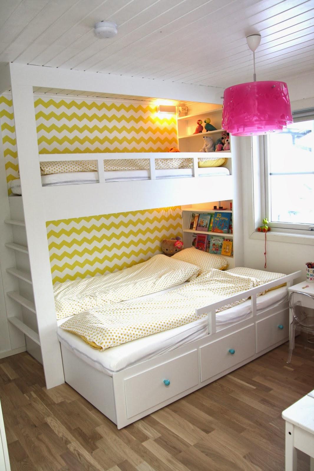 Plassbygd seng til jenterommet for Jugendzimmer utah