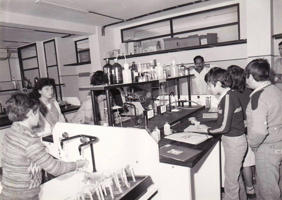 Los comienzos de nuestro laboratorio. Hacia 1980. Con el profesor Paco Alcaraz.