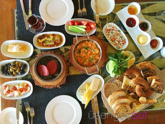 kempinski-hotel-bodrum-beach-breakfast
