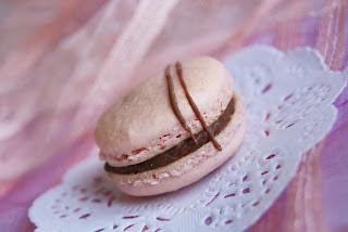 Nudet suklaamacaronsit