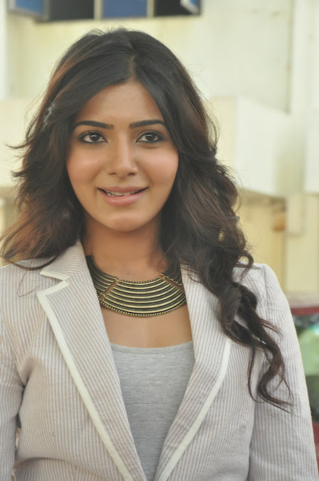 samantha new @ eega press meet cute stills
