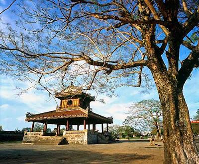 Phu Văn Lâu Huế