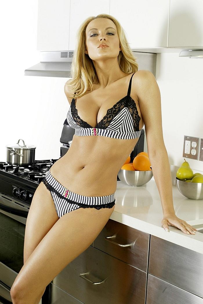 Irina voronina topless reno 911 miami 2007