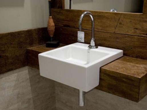 Bancada de Madeira para Banheiros  Pros e Contras  Casa e Reforma -> Torneiras Para Banheiro Cuba Sobrepor