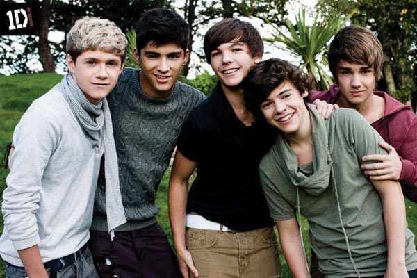 Lirik One Direction - Little Things