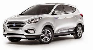 White Hyundai Tucson