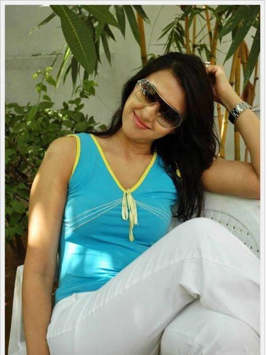 sakshi sivanand, sakshi sivanand stylish cute stills