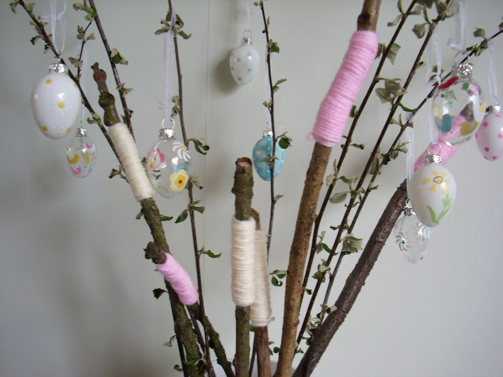 get article lifestyle these hanging xpos with decoration set for decorations xpose rabbits glitter easter citing of six egg decor buys eggciting cracking