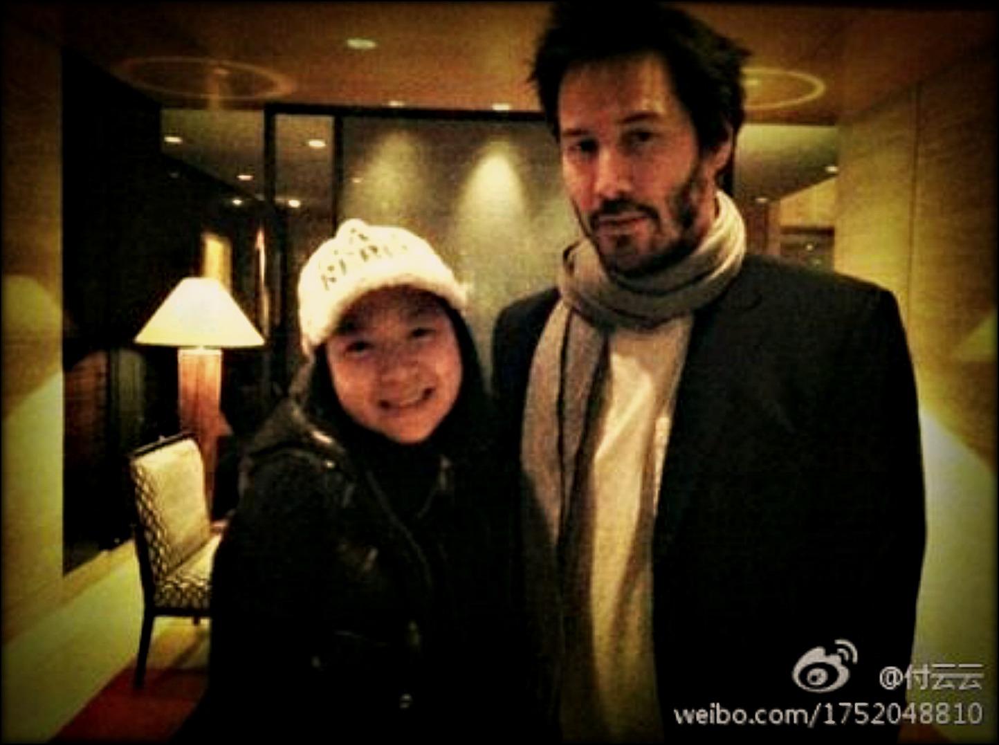 http://1.bp.blogspot.com/-qX7qmNwFDsc/Tr9h-IfOiNI/AAAAAAAAAbk/dyV5FsRyVdI/s1600/keanu+13-11-2011+Beijing+Keanu_-_Nov_12%252C_2011%2528PRM%2529.jpg