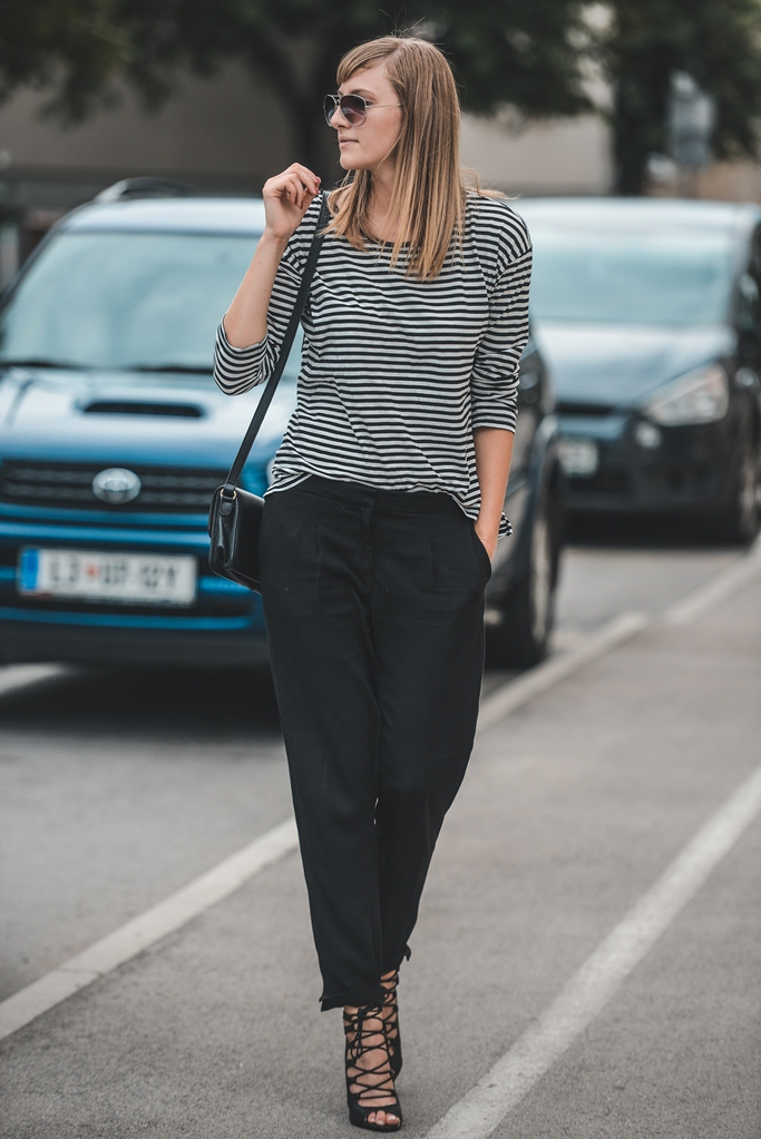 minimalistic outfit, striped shirt, lace up sandals, blogger outfit