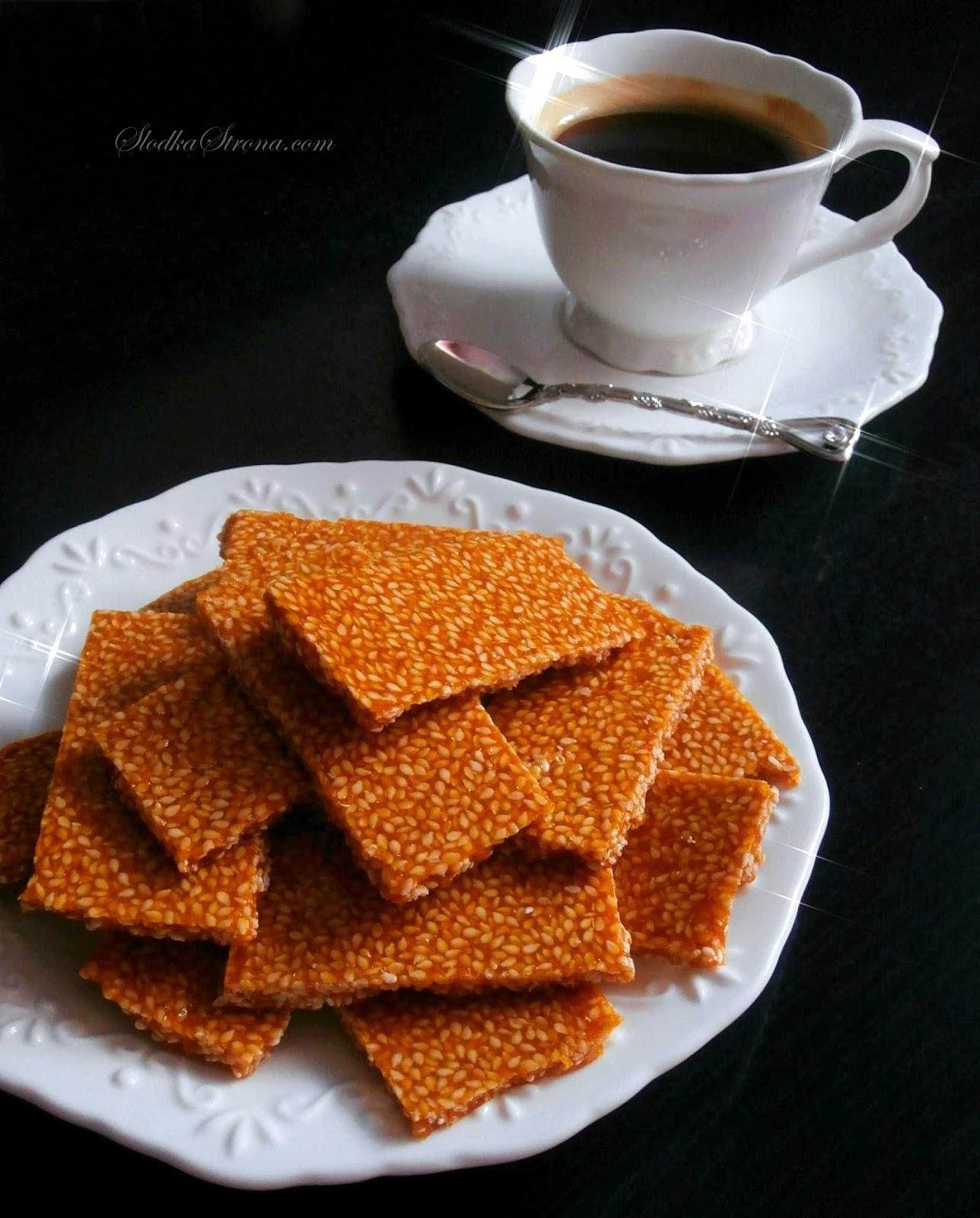 Domowe Sezamki - Przepis - Słodka Strona