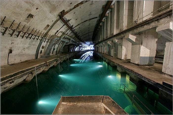 7 megaestructuras del antigua URSS abandonadas Balaclava+submarinos