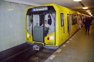 U-Bahnhof als neuer Kiezmittelpunkt, aus Der Tagesspiegel