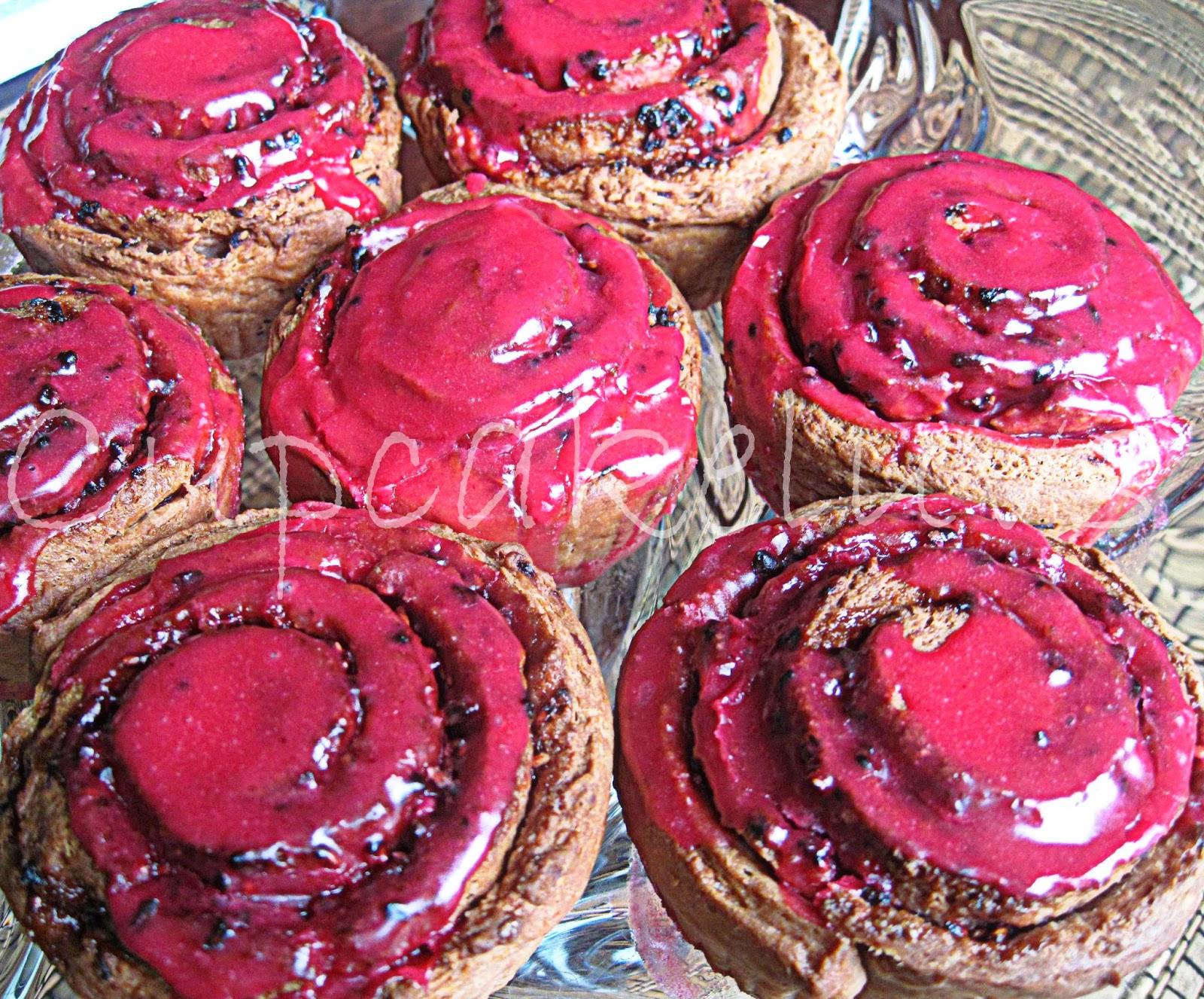 http://cupcakeluvs.blogspot.dk/2014/02/raspberry-roll-buns-hindebr-snegle.html