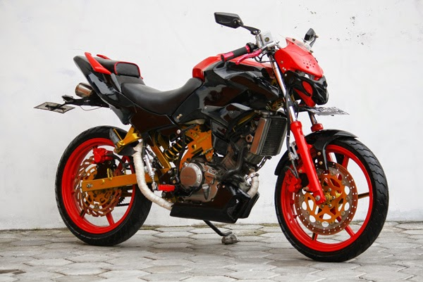 Honda CS1 Street Fighter