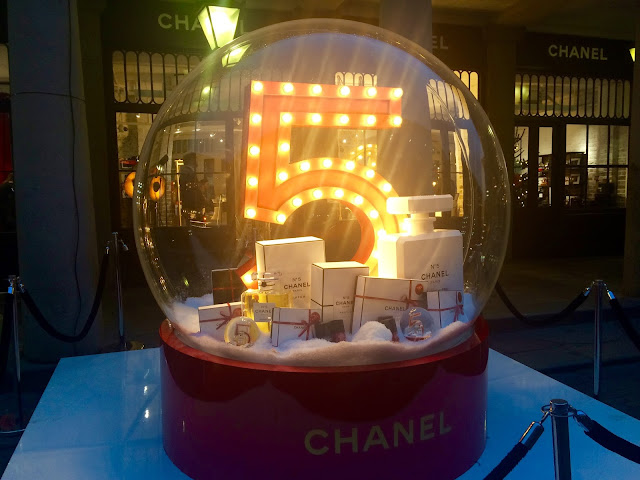 Chanel Christmas Snow Globe Covent Garden 2015