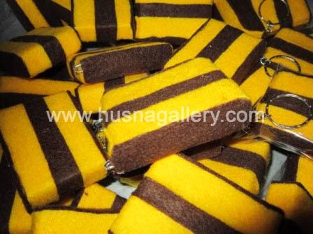 souvenir gantungan kunci kain flanel kue lapis surabaya
