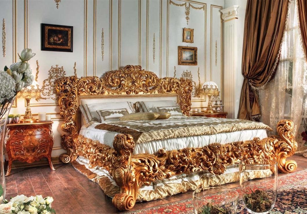 Italian Classic Bed in Gold Leaf Finish - Antique & Italian Classic Furniture: Italian Classic Bed In Gold
