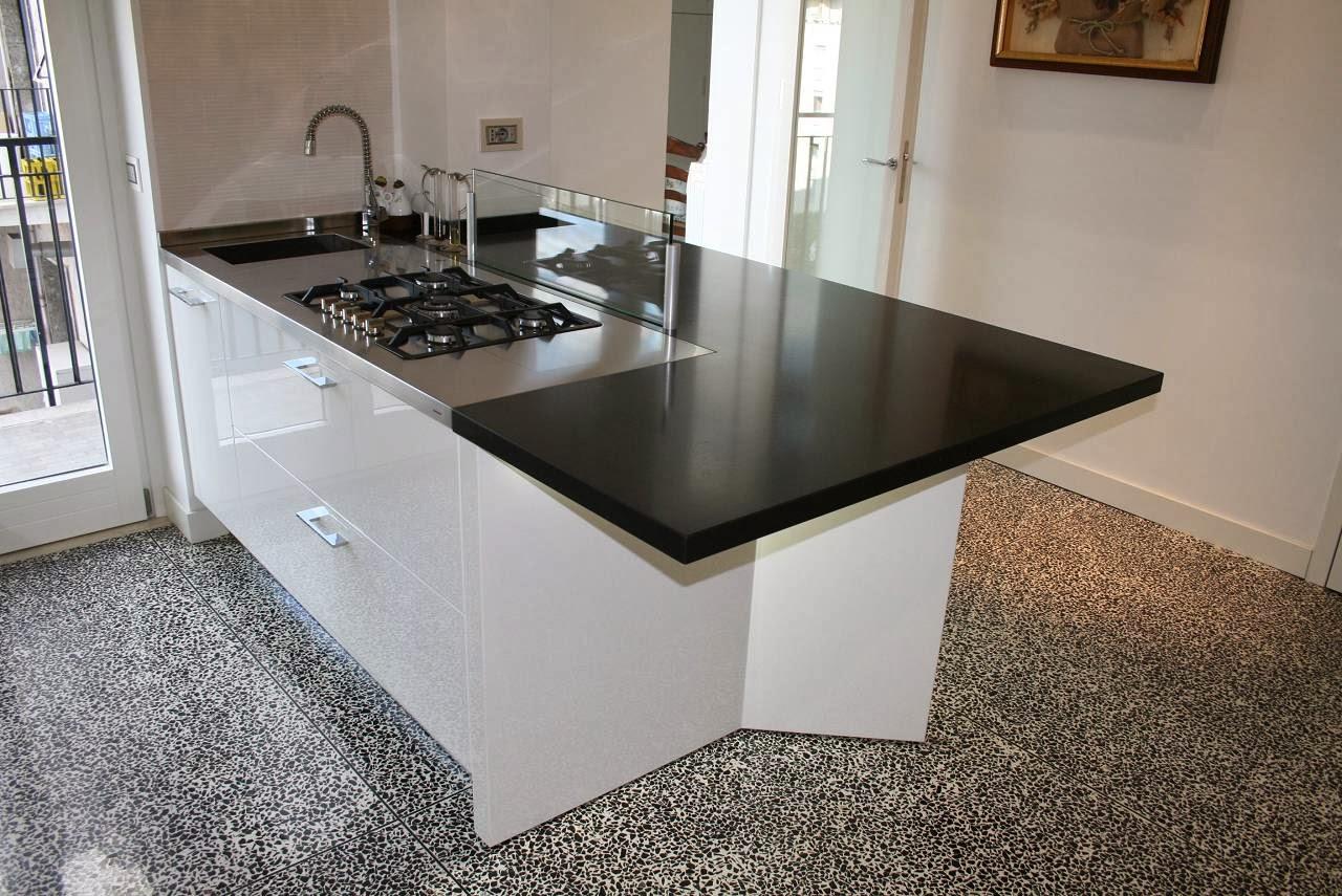 Alberto sozzi store manager and senior interior designer cucina white and led - Piano cucina in granito ...
