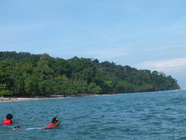 Menyelam Di Pantai Pangandaran