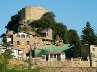 El Castell de Granera i les primeres cases al seu peu