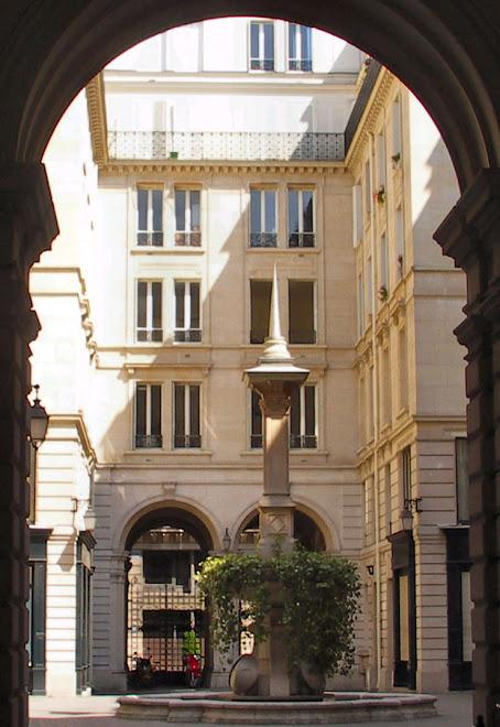 Cours des fermes, 15 rue du Louvre 75001 Paris
