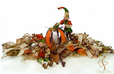 http://www.trendytree.com/blog/autumn-centerpiece-with-pumpkin/