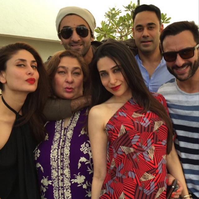kareena kapoor photo with family