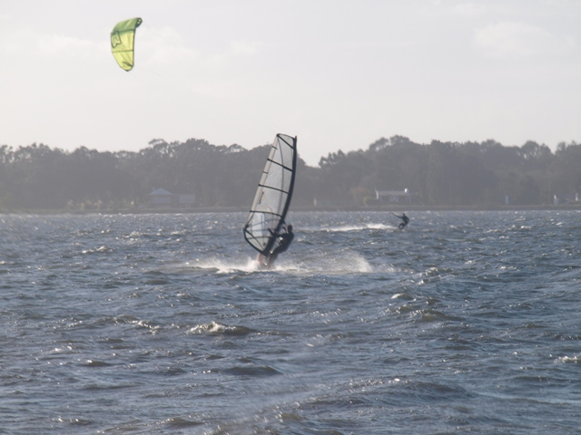 Windsurf and Kitesurf at Murtosa by Pedro Seixas
