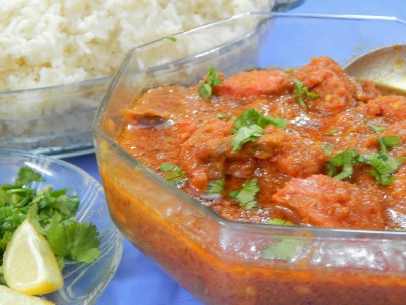 http://www.nazkitchenfun.com/2014/02/luscious-chicken-tikka-curry-made-in-30.html