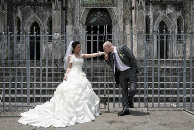 Gái Việt ôm hận với giấc mơ chồng Tây