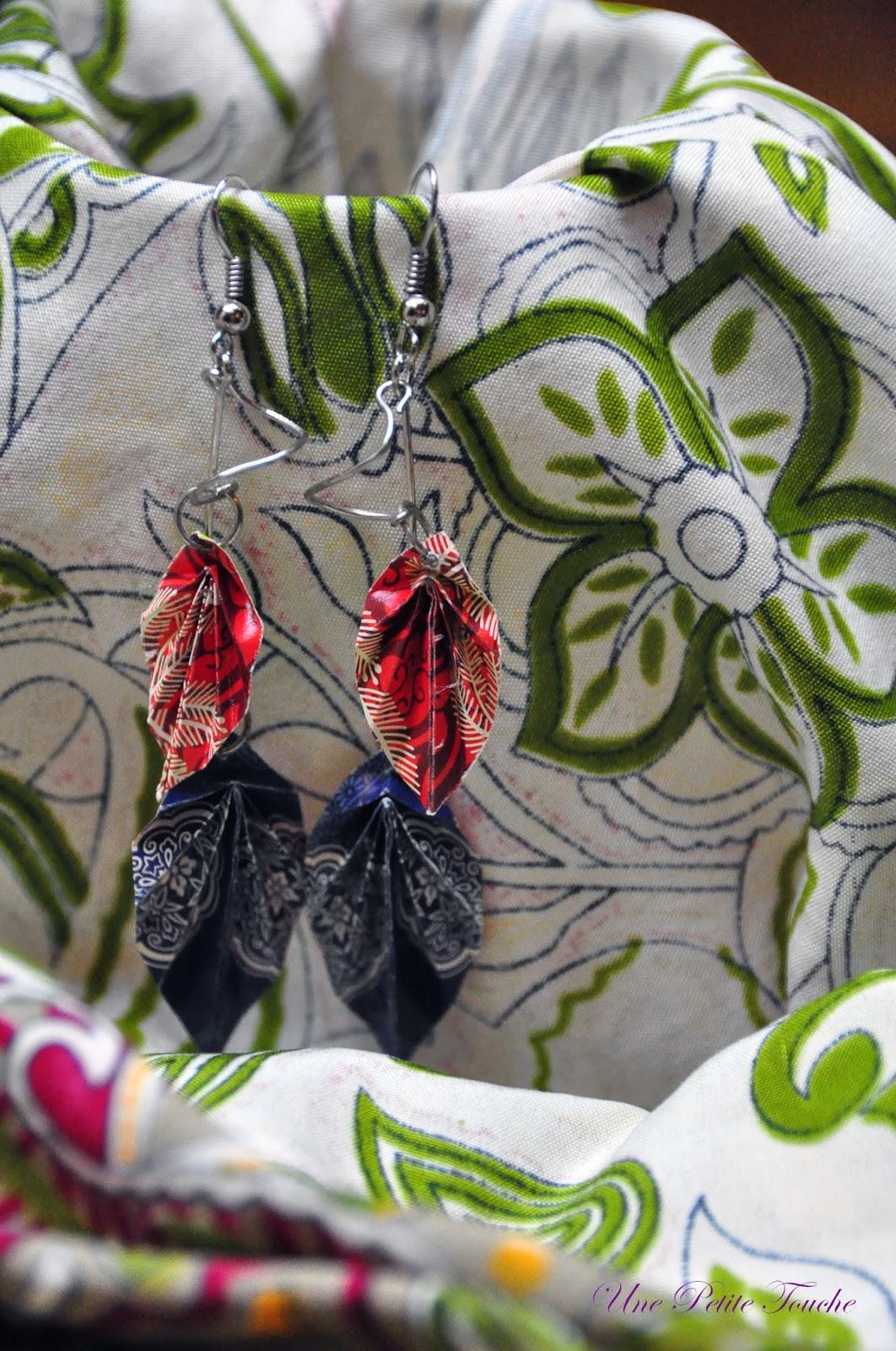 Листья-оригами вдохновили на новую пару сережек. Моя коллекция сережек оригами пополняется! Les feuilles en origami m'ont inspirés à faire cette paire de boucles d'oreille. Ma collection de boucles d'oreille en origami commence s'agrandir! Origami-leaves inspired me to make this pair of earrings. My collection of origami earrings starts to grow!