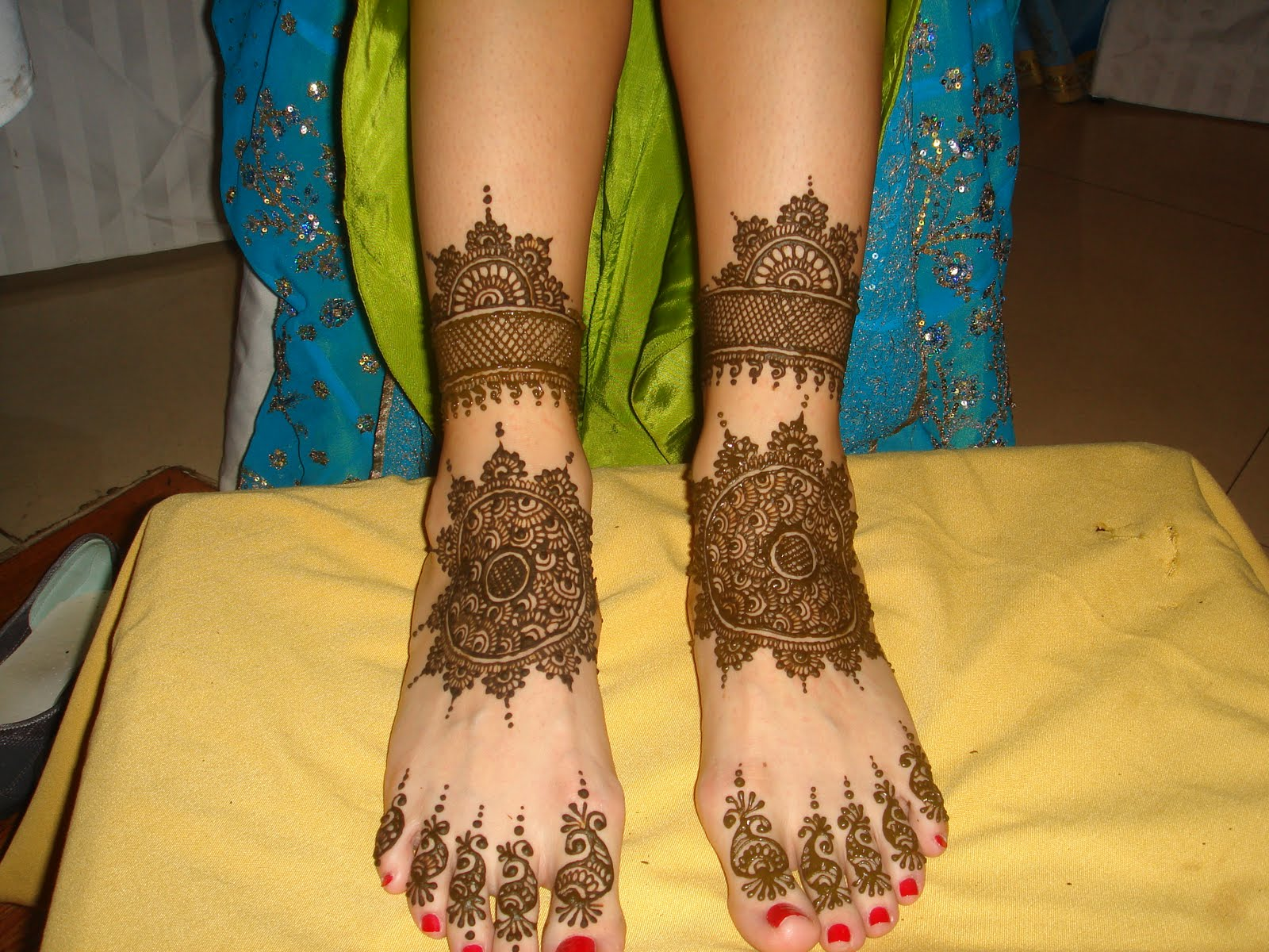 Mehndi Bunch On Arm : Our passion mehendi keep it simple