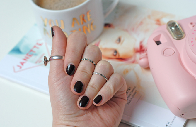 how to wear dark nail polish at any age