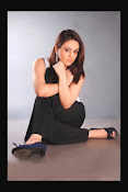 Aksha Latest Glamorous Photo Session Gallery-thumbnail-19
