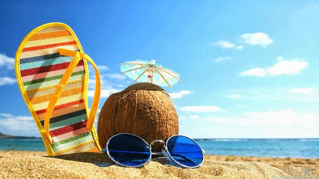 chinelo  e óculos que podem fazer a diferença num look de verão