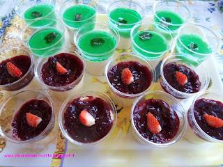 bicchierini panna cotta-menta e cream caramel-frutti di bosco